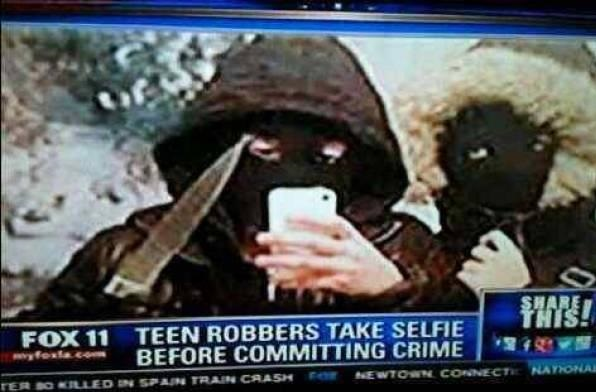 funny-pictures-selfie-robbers