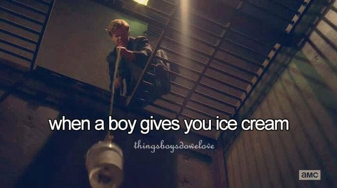 funny-picture-when-a-boy-gives-you-icecream