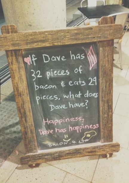 funny-pictures-bacon-hapiness