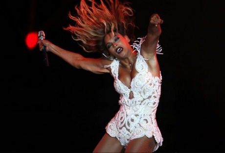 funny-pictures-beyonce-dance-again