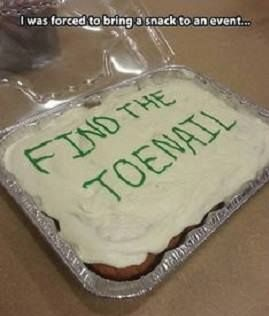 funny-pictures-cake-find-the-toenail