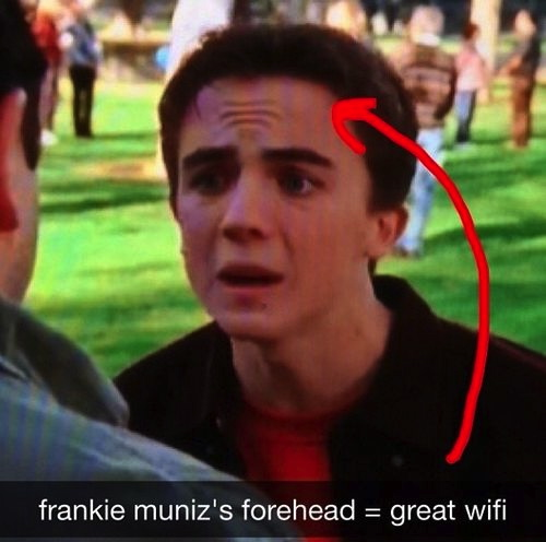 funny-pictures-forehead-wi-fi