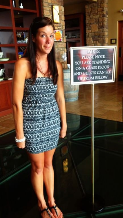 funny-pictures-girls-sign-floor