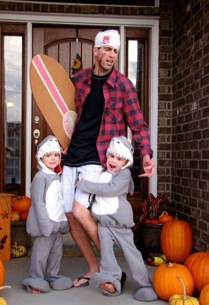 funny-picture-halloween-cosstume-father-children