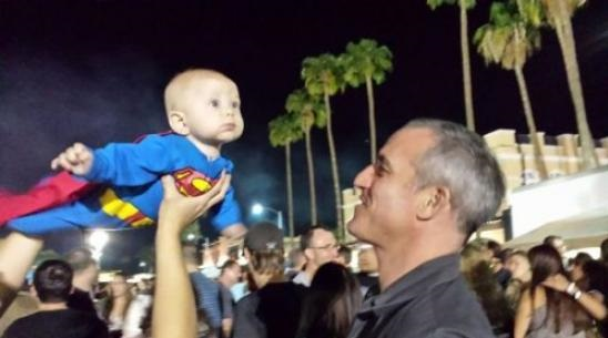 funny-picture-little-superman-kid