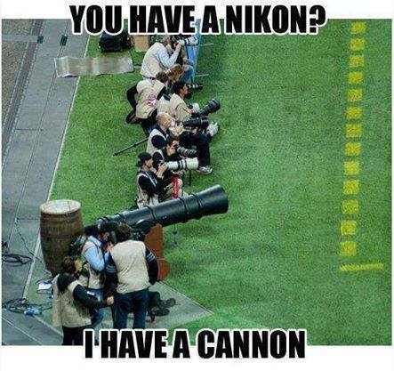 funny-picture-nikon-vs-cannon