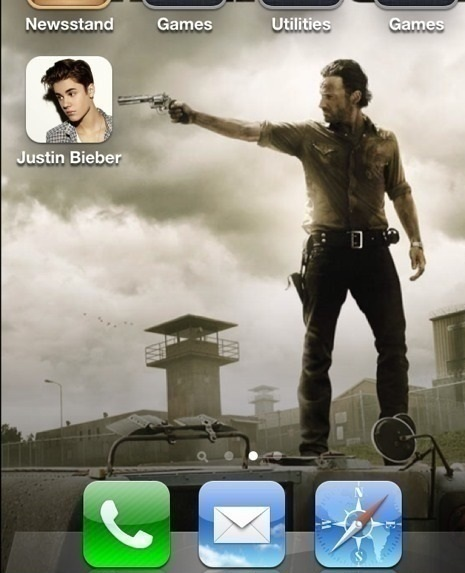 funny-picture-justin-bieber-the-walking-dead