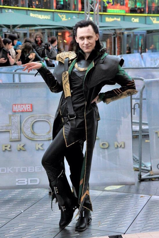 funny-picture-loki-being-fabulous