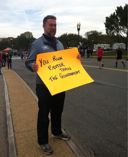 funny-picture-marathon-sign-guy-run-better-government