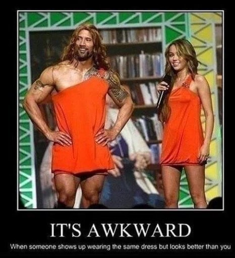 funny-picture-miley-cyrus-dress-awkward