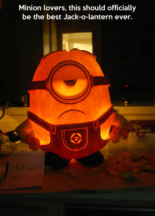 funny-picture-minion-pumpkin-design