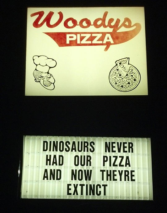 funny-picture-pizza-billboard-dinosaurs-extinct