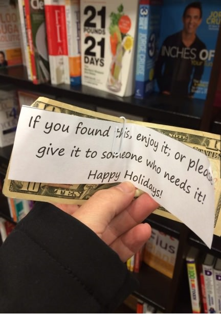 funny-picture-holiday-spirit-money-note