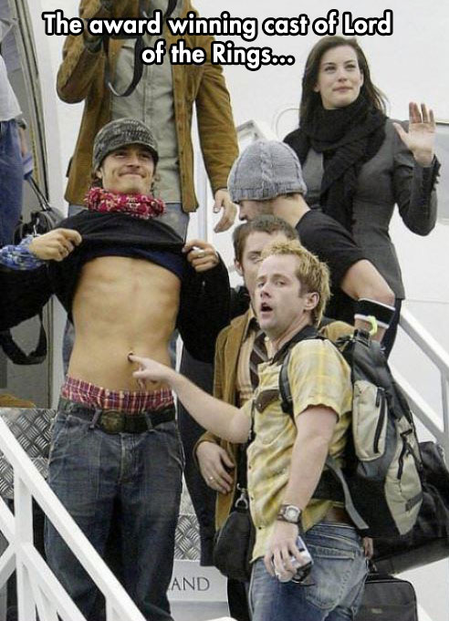funny-picture-Orlando-Bloom-LOTR-plane-fooling-around