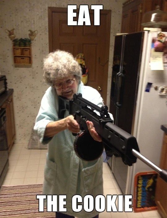 funny-picture-grandma-cookie