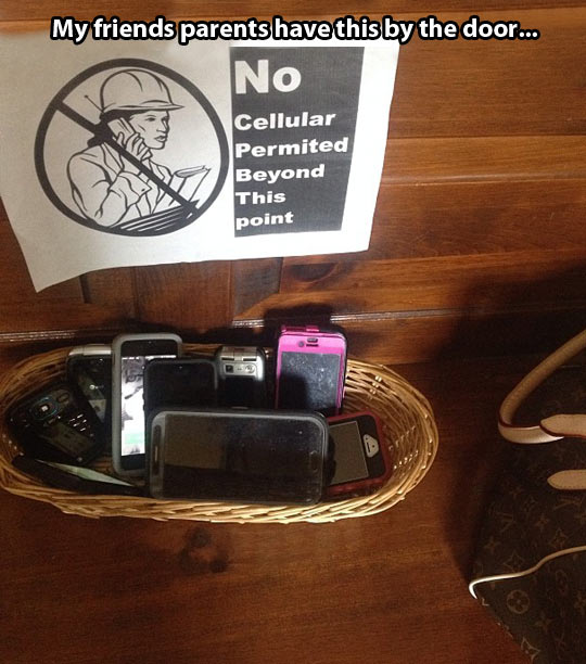funny-picture-phone-sign-forbidden