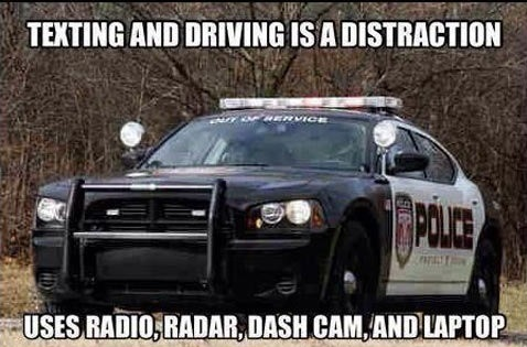funny-picture-police-txt-and-drive