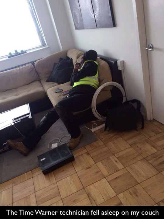 funny-picture-technical-asleep-couch-TV