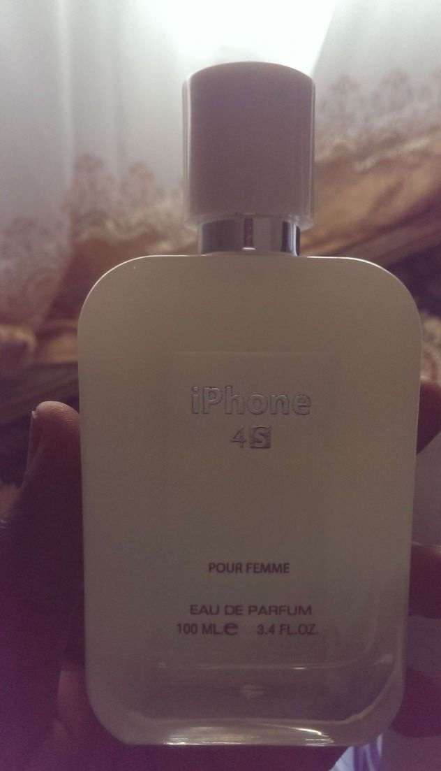 funny-picture-iphone-perfume
