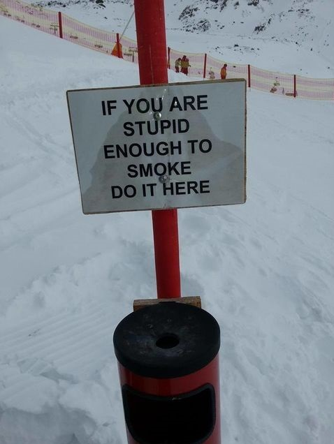 funny-picture-stupid-smoking-sign