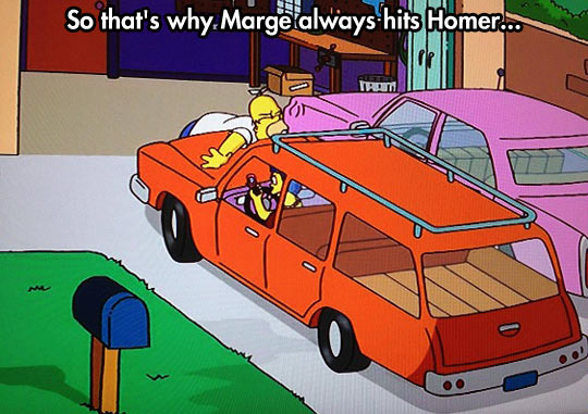funny-picture-Simpsons-Marge-driving-phone-hit-Homer