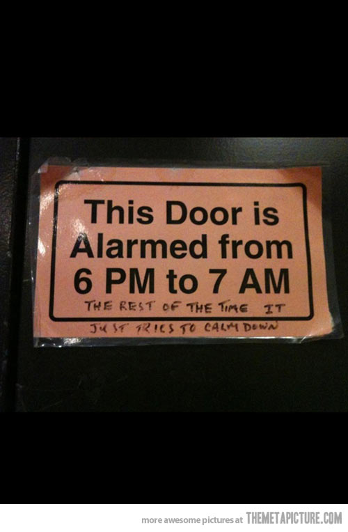 funny-picture-door-sign-alarm-time