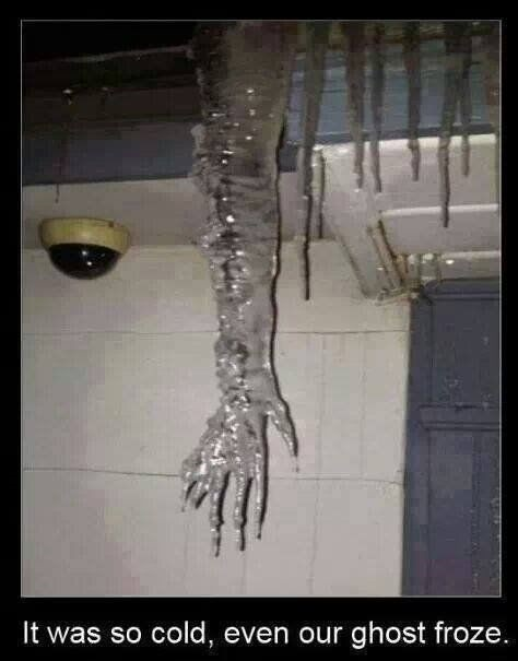 funny-picture-frozen-ghost