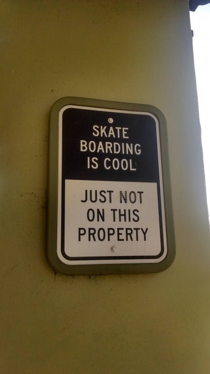 funny-picture-sign-skate-boarding