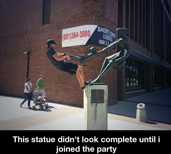 funny-picture-statue-party