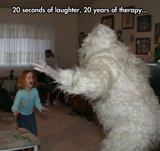 funny-picture-yeti-costume-kid-ginger-scared