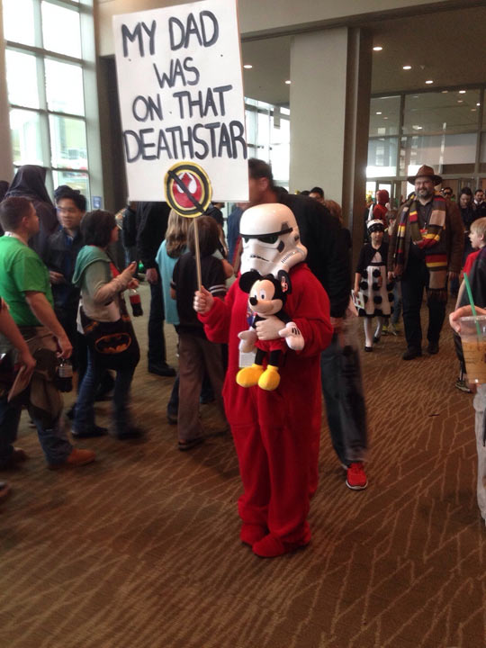 funny-picture-Mickey-Mouse-Star-Wars-costume