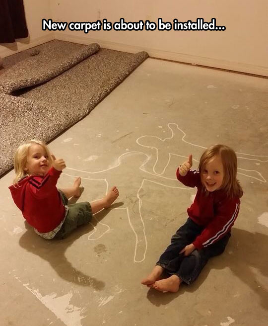 funny-picture-carpet-floor-chalk-drawing-bodies-kids