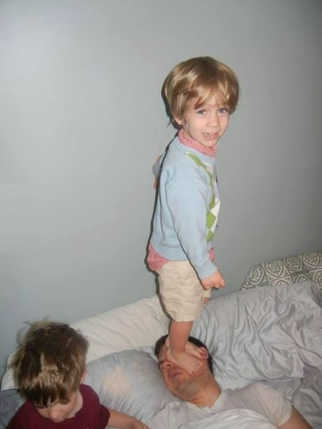 funny-picture-children-dad-morning