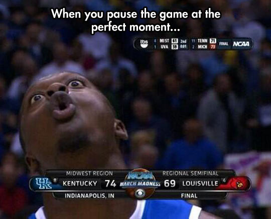 funny-picture-man-basketball-perfect-timing