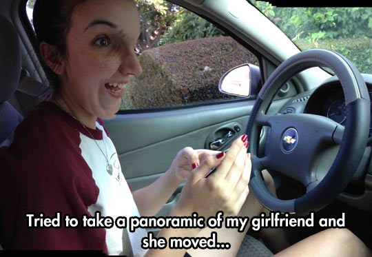 funny-picture-panoramic-pic-phone-girlfriend-move