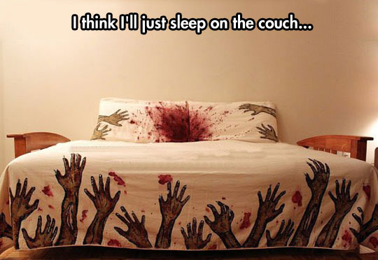 wanna-joke-zombie-blood-sheets-DIY
