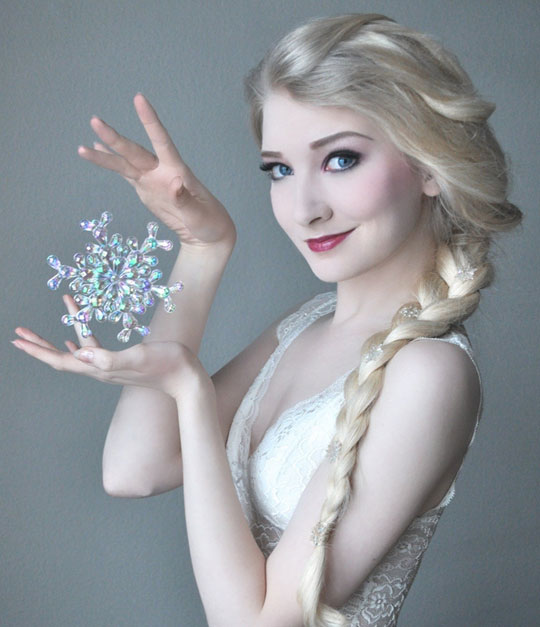 funny-picture-Elsa-character-cosplay-Frozen