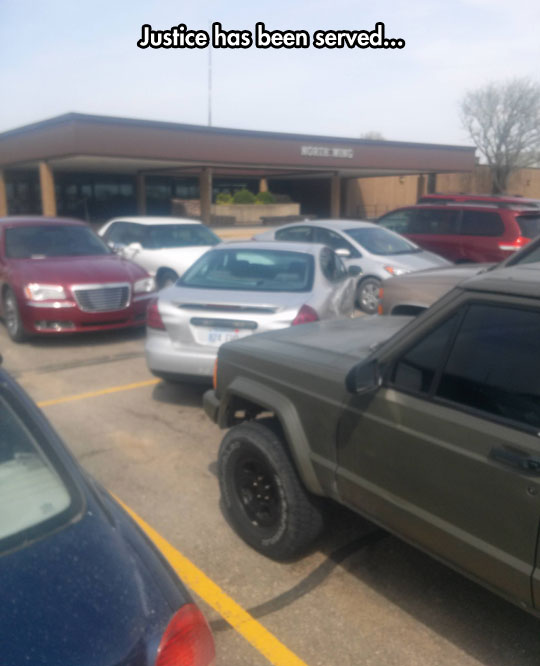 funny-picture-car-parking-lot-justice
