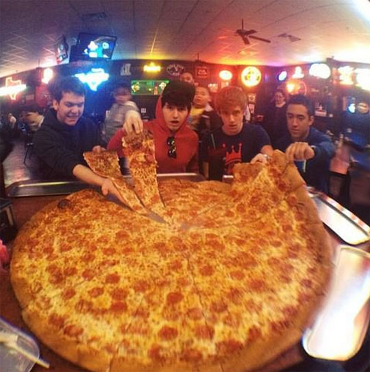 funny-picture-cool-teens-giant-pizza-slices
