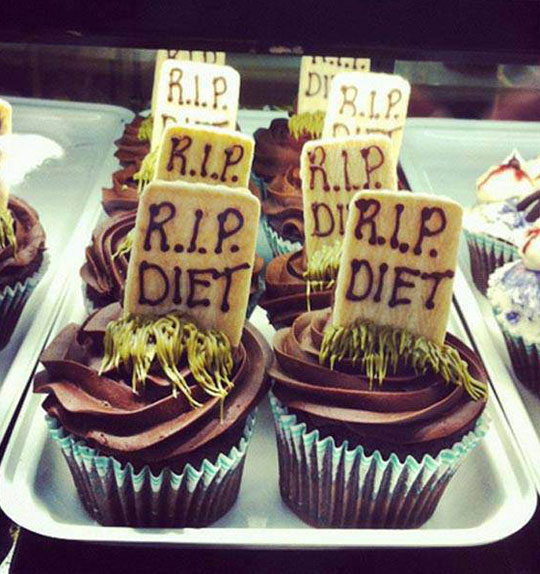 funny-picture-cupcake-RIP-diet-tombstone