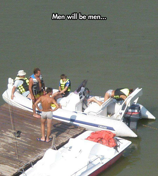 funny-picture-boat-men-girl-water