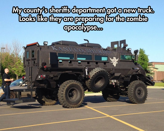 funny-picture-sheriff-truck-steel-armor