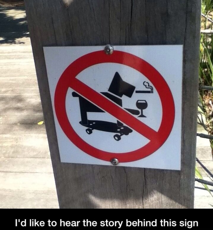funny-dog-sign-skateboard-not-allowed