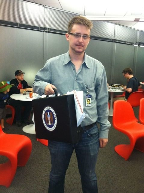 funny-edward-snowden-halloween-costume