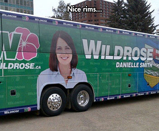 funny-bus-ad-woman-tires
