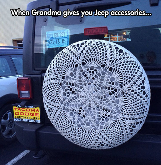 funny-wheel-knitted-accessories