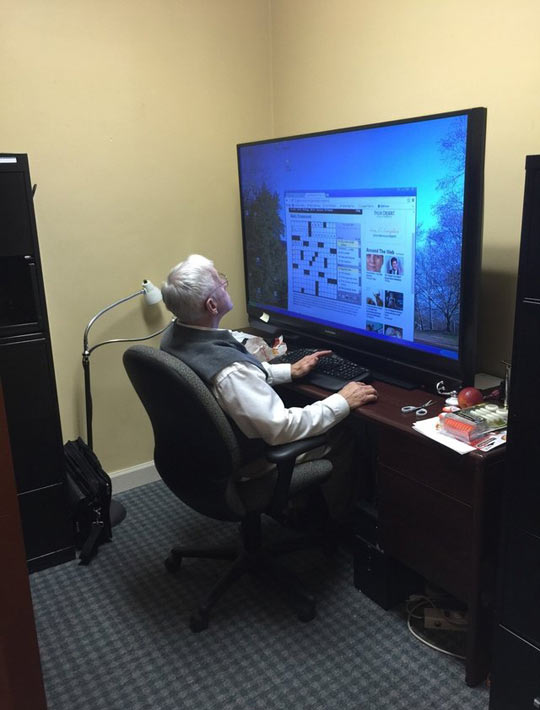 funny-TV-grandfather-playing-games-computer