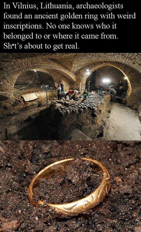 funny-golden-ring-found-archaeologists-found