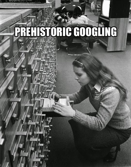 funny-girl-library-vintage-Googling