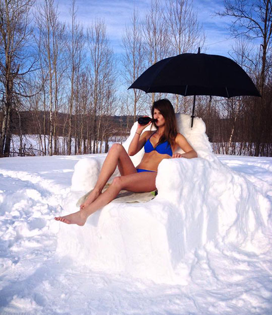 funny-girl-sunbathing-snow-winter-Canada